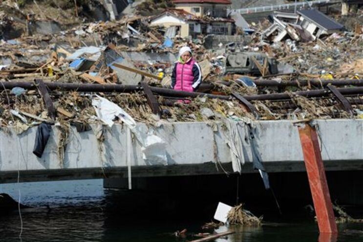Sismo e tsumani causaram 6405 mortos confirmados