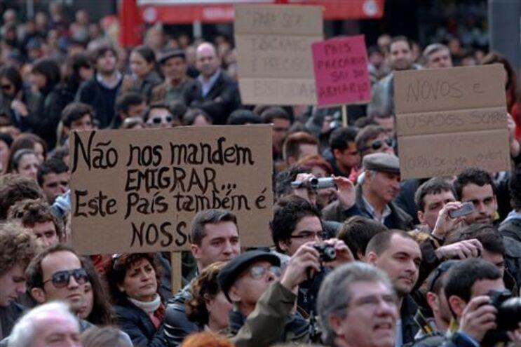 """Organizadores da """"Geração à Rasca"""" criam """"Movimento 12 de Março"""""""