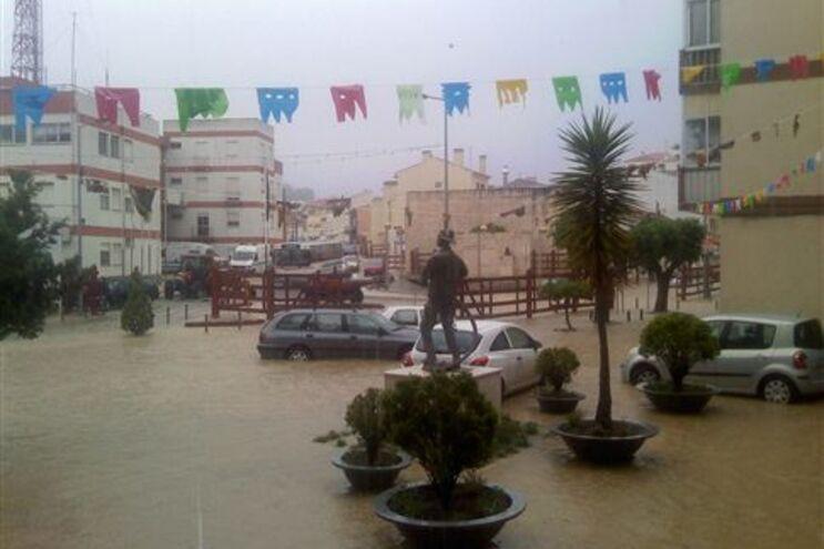 Forte chuva provocou inundações
