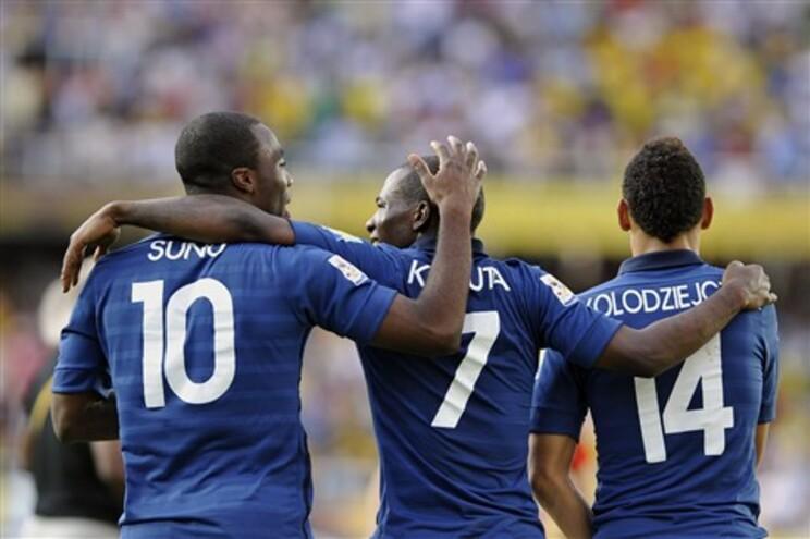 Jogadores de França festejam a passagem às meias-finais do Mundial