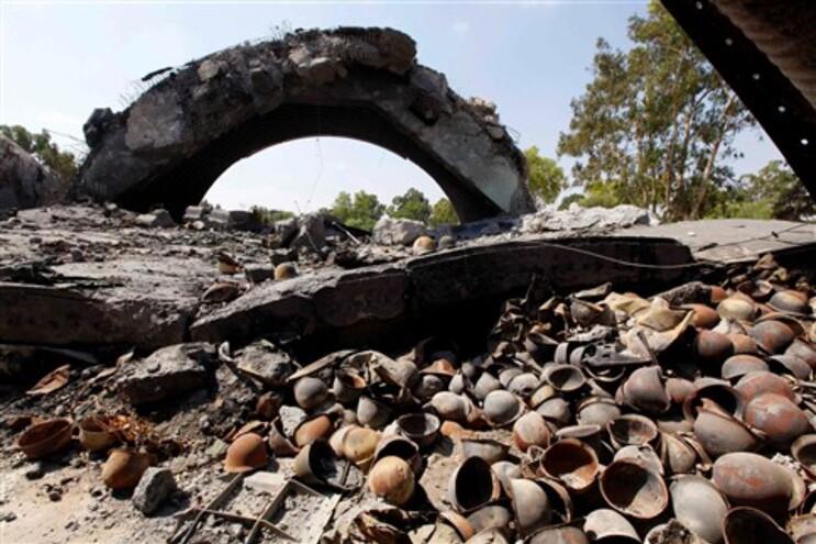 Forças de Kadafi matam mais de 150 prisioneiros