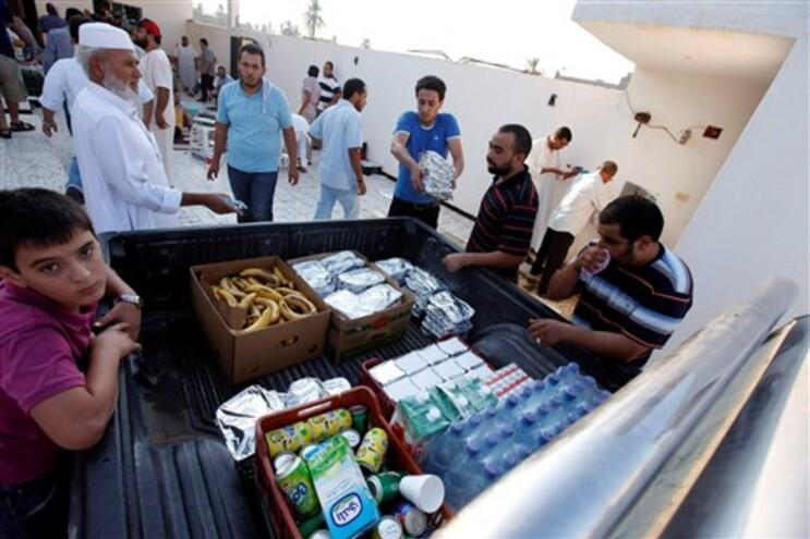 Grande parte da cidade de Trípoli sem abastecimento de electricidade ou água