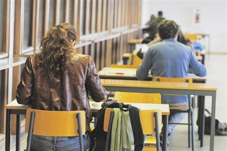 Crise sentida pelas famílias fez diminuir candidatos ao ensino superior