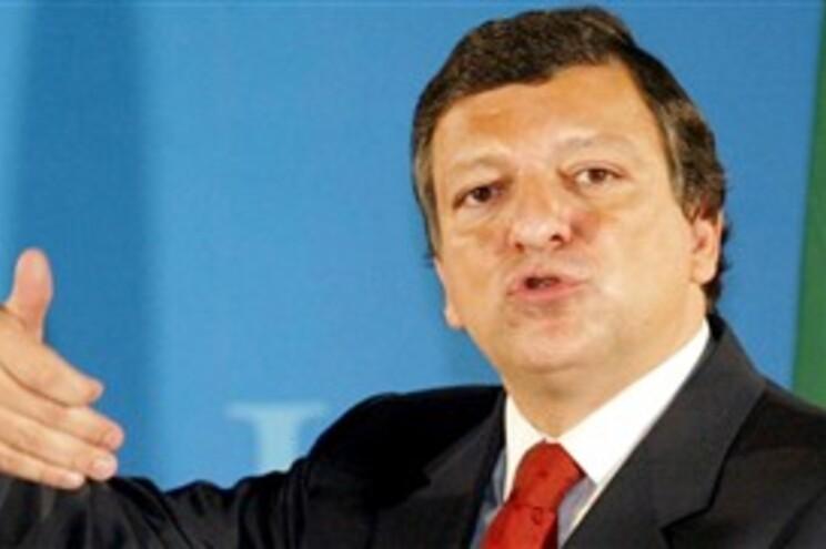 Durão Barroso garante que nenhum país abandona o euro