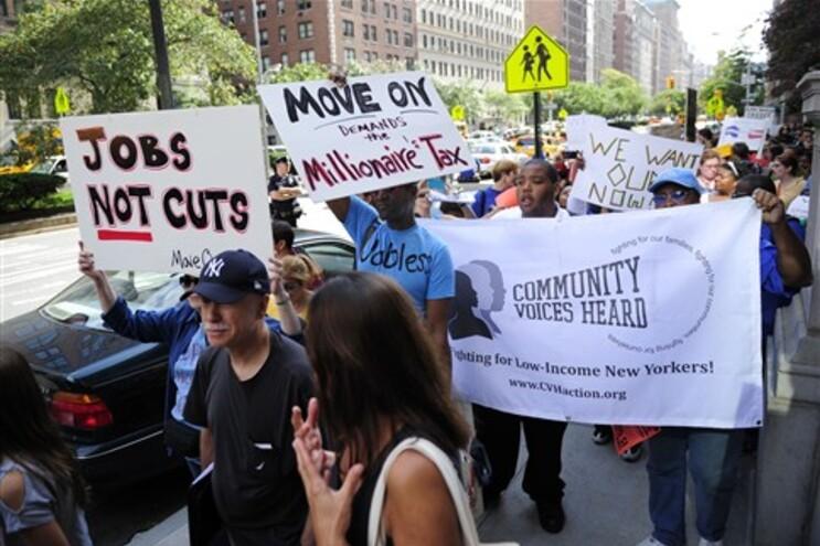"""Manifestantes organizaram a """"marcha dos milionários"""" em Nova Iorque"""