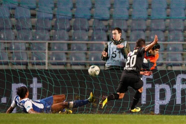 Marinho fez o primeiro dos três golos da Académica