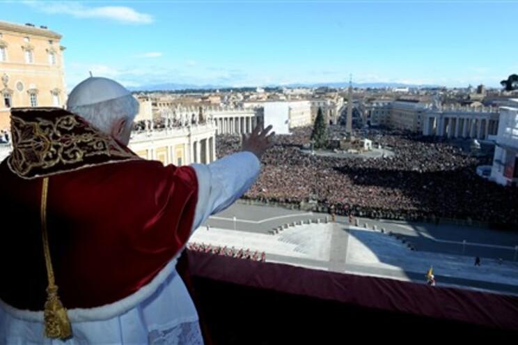 Bento XVI pede fim da violência na Síria