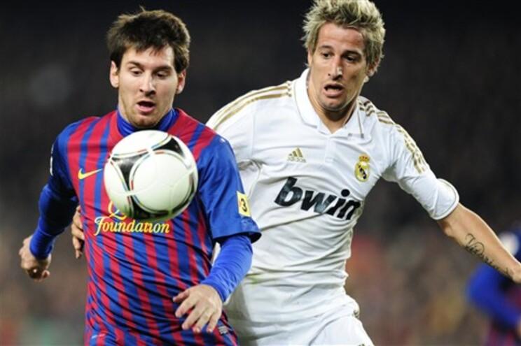 Barcelona empata em casa, 2-2, e atira Real Madrid para fora da Taça do Rei