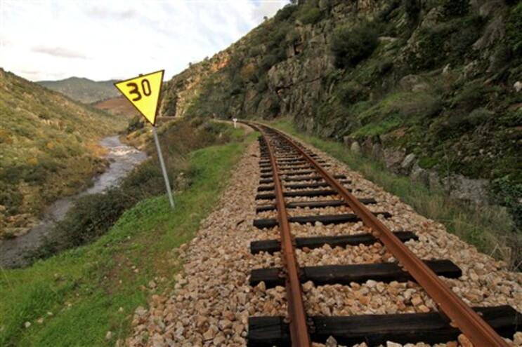Petição do Movimento de Cidadãos pela Linha do Tua pede reactivação da via-férrea entre Foz-Tua e Bragança