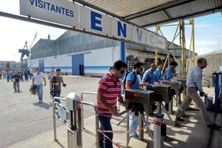 Estaleiros de Viana receberam o primeiro novo serviço em meses