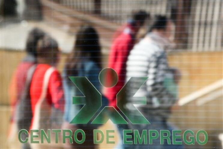 Desemprego passa os 14% e afecta mais de 770 mil portugueses