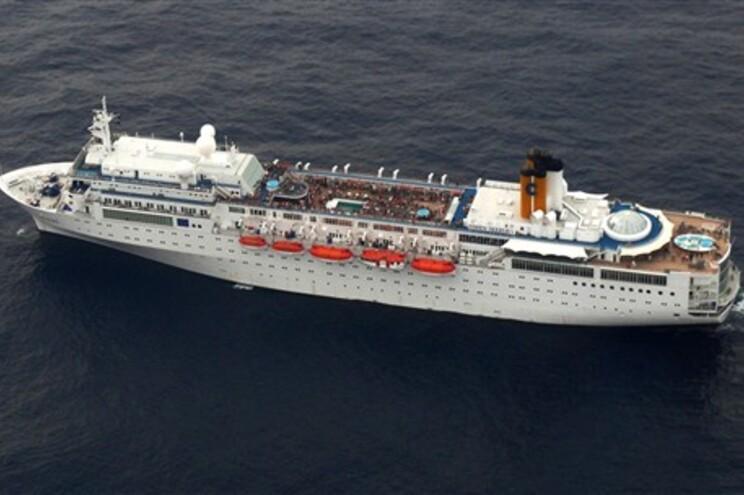 """Governdo não confirma que estejam dois portugueses a bordo do """"Costa Allegra"""""""