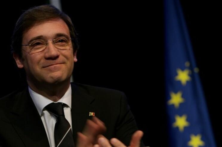 Passos Coelho falou a militante numa reunião do PSD em Setúbal