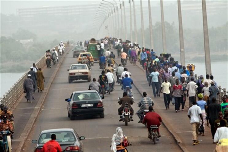 A capital do Mali, Bamako, voltou ao caos habitual