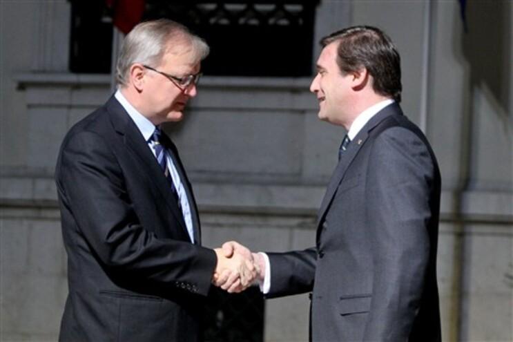 Passos Coelho com o comissário Olli Rehn