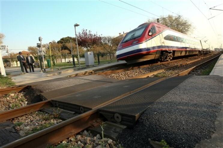Homem morreu colhido por um comboio em Francelos