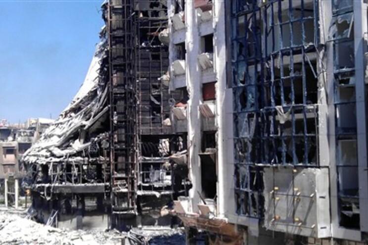Forças do governo sírio voltaram  a bombardear Homs