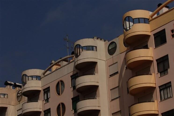 Fisco vende diariamente 25 casas penhoradas