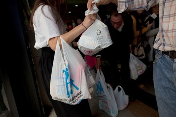 Doações sobem 18% no primeiro dia de recolha do Banco Alimentar
