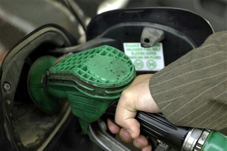 Combustíveis voltam a baixar na próxima semana