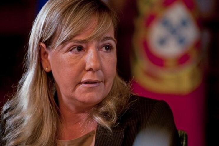 Paula Teixeira da Cruz anunciou medida no Dia do Pessoal dos Serviços Prisionais