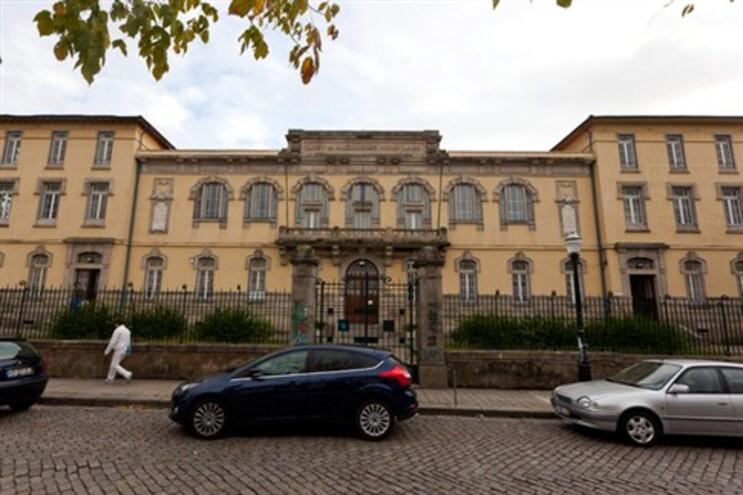 A Alexandre Herculano, no Porto, é a que mais horários perde: em 290 professores perde 193 horários