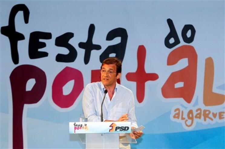 """Passos Coelho: """"Estamos mais próximos de vencer a crise em que o país mergulhou"""""""