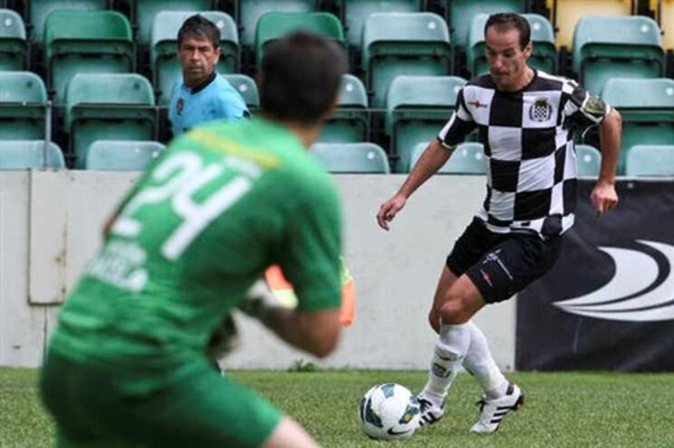 Petit acumula as funções de jogador e treinador do Boavista