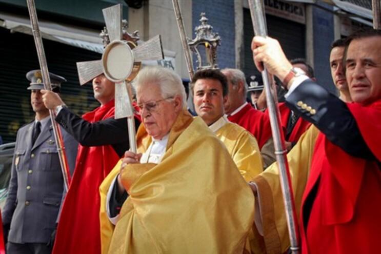 D. Policarpo diz manifestações de rua não resolvem problema do país
