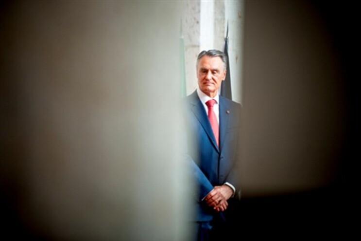 O movimento pede a Aníbal Cavaco Silva para dissolver o Governo e nomear um de iniciativa presidencial