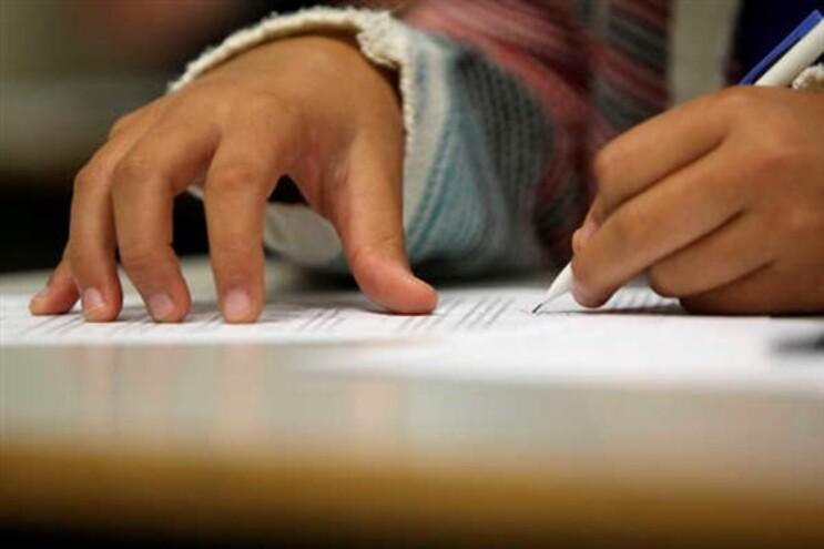 Há cerca de 10.800 alunos referenciados como carenciados