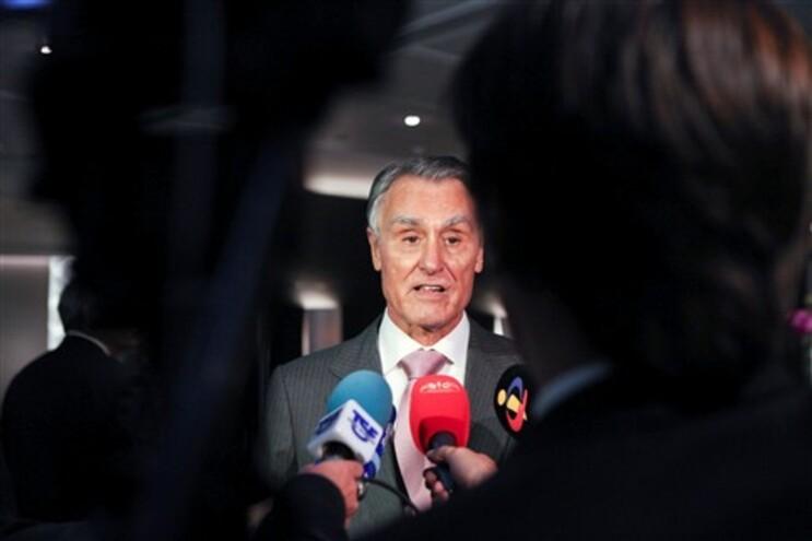 """Cavaco exorta jovens a recusarem a """"resignação e conformismo"""""""