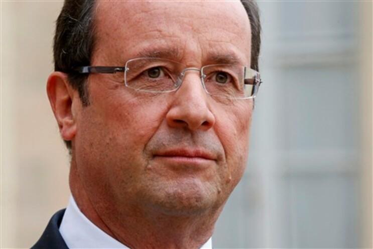 Hollande reafirmou a Barroso a sua vontade de que o orçamento da União Europeia contribua para o crescimento