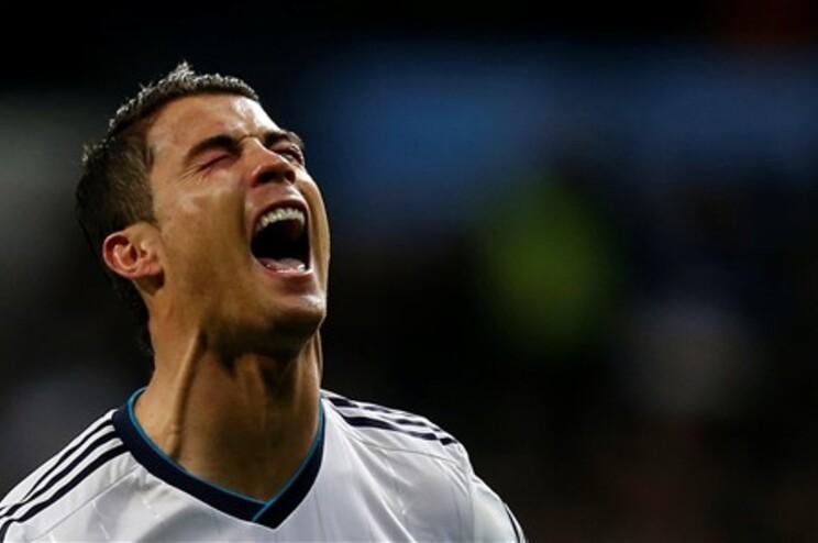 """Ronaldo marca ao Atlético e coloca """"Barça"""" com seis pontos de avanço"""
