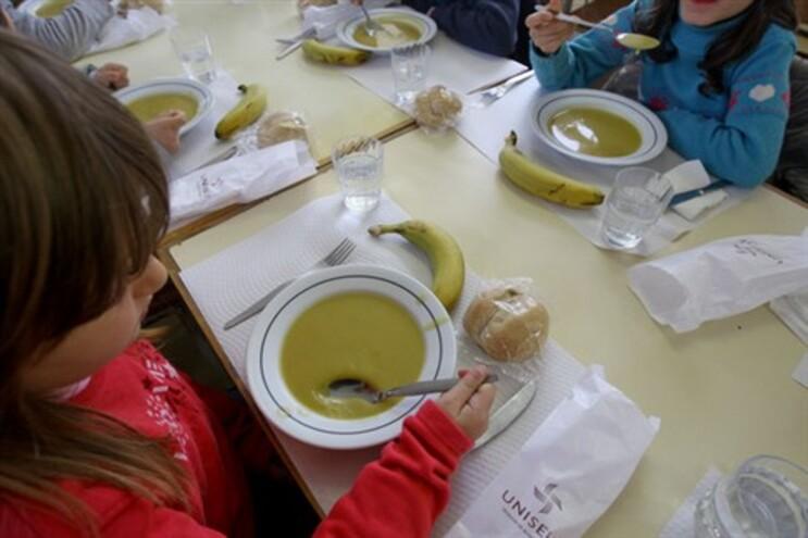 Escolas abertas mesmo sem aulas para alimentar alunos carenciados