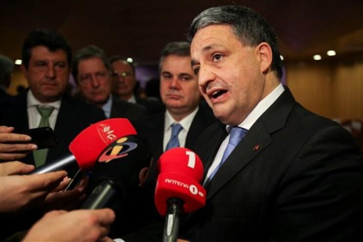 """Crise tem """"impacto real na saúde"""", admitiu Paulo Macedo"""