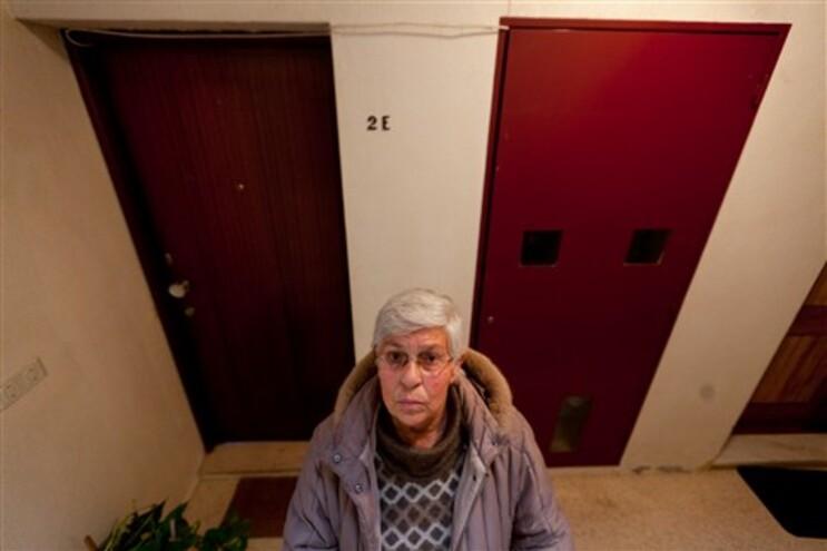 Ilda Cabral, de 70 anos, foi despejada do andar camarário onde vivia no Bairro do Cerco