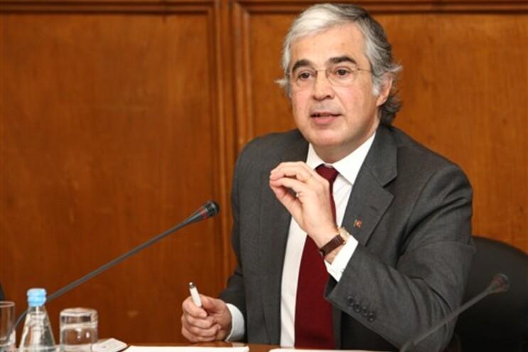 Ministro Aguiar-Branco no Parlamento