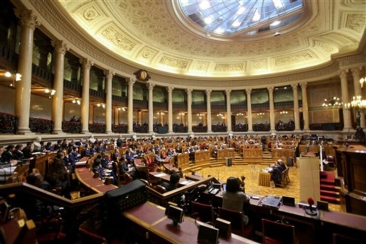 CDS-PP defende averiguação do que se passou na lei dos mandatos