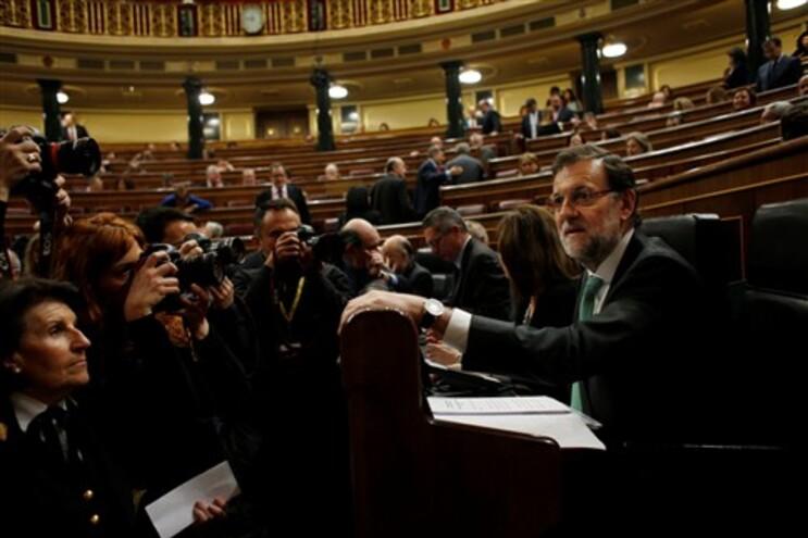 Deputados expulsos do Congresso espanhol por falarem em catalão