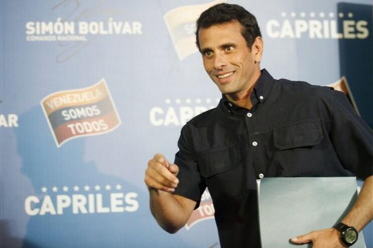 Candidato da oposição, Henrique Capriles, tem exigido a recontagem dos votos
