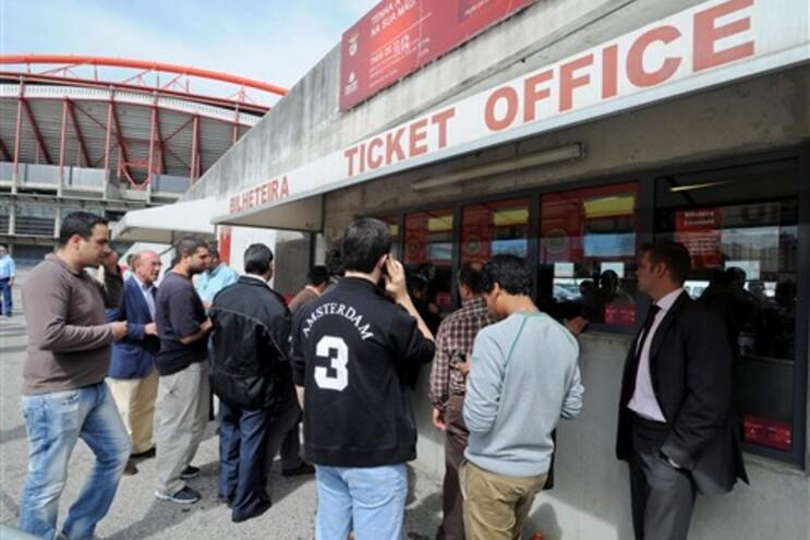 Primeiro dia de venda de ingressos para o jogo frente ao Chelsea
