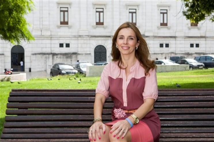 Mónica Ferro vai votar a favor da adoção por casais do mesmo sexo