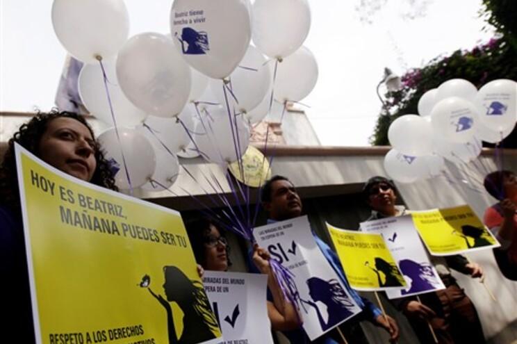 Tribunal nega aborto a mulher que corre risco de vida