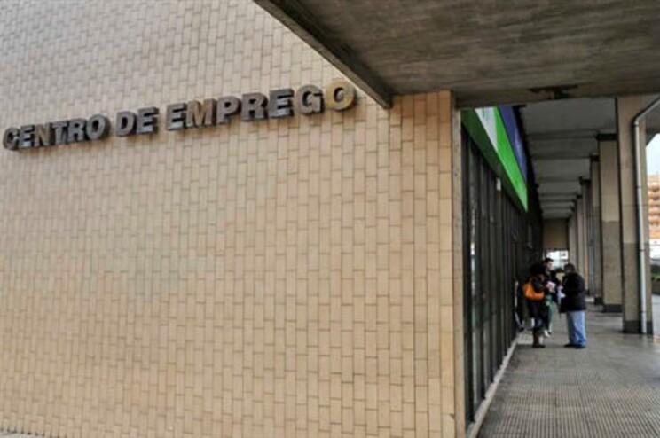 Taxa de desemprego em Portugal atingiu novo recorde de 17,8% em abril