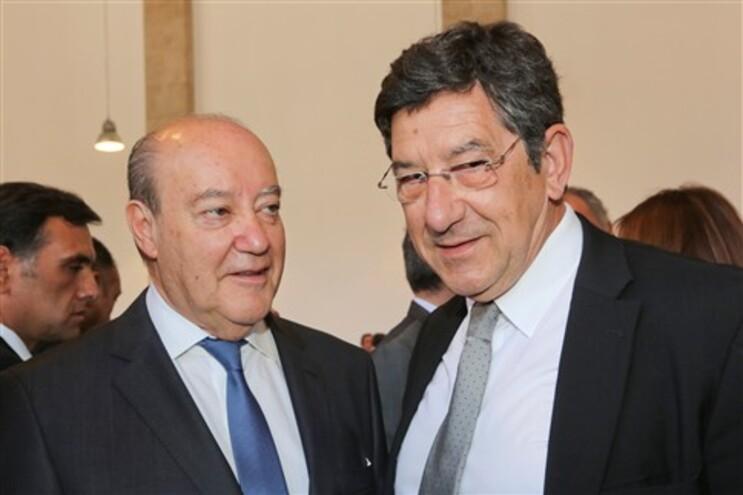 Carlos Magno, presidente da Entidade Reguladora da Comunicação, com Pinto da Costa