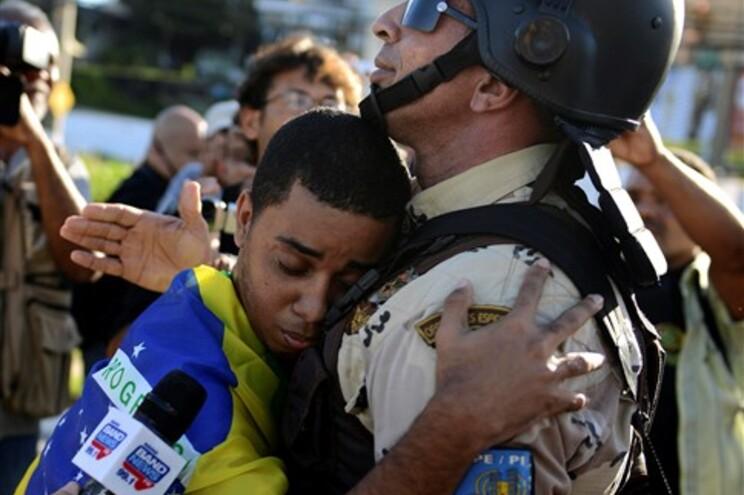 Movimento cívico brasileiro garante que não deixará os protestos