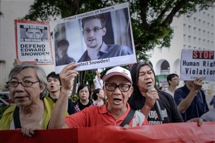 Edward Snowden inspira videojogo que tem como objetivo roubar dados da NSA