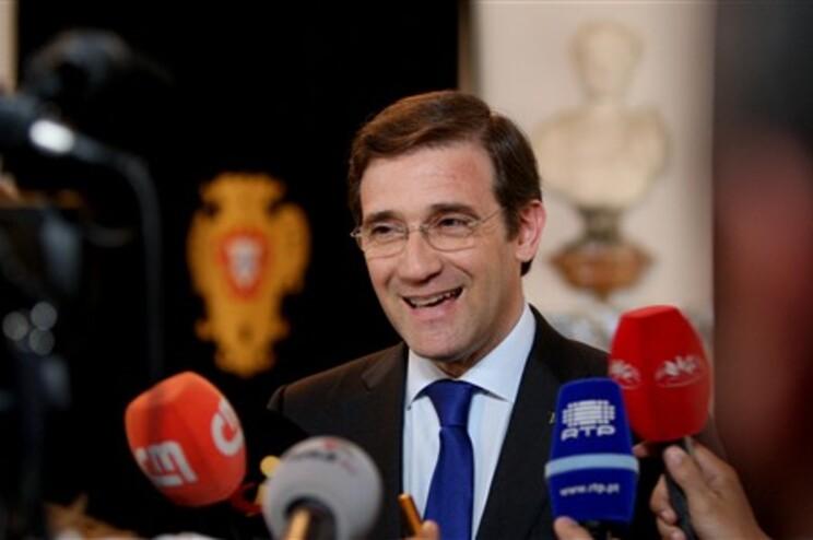 Passos Coelho mantém conversas com Paulo Portas já depois de ser recebido pelo presidente da República