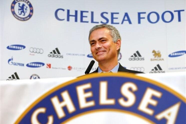 José Mourinho iniciou, esta segunda-feira, o trabalho no Chelsea